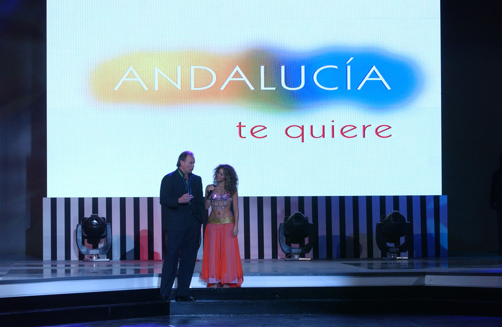 Actuación Shakira Defcom2 Gala TVE